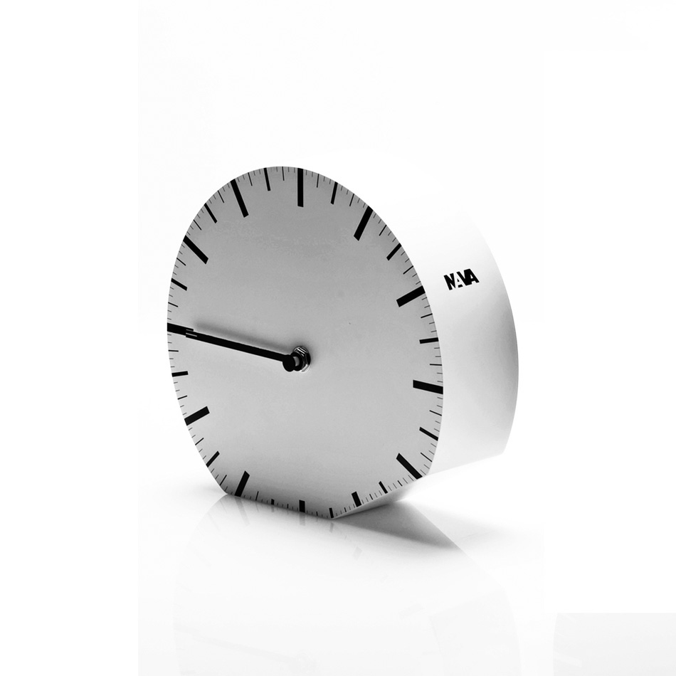 clock - Denis Guidone NAVA design - 02